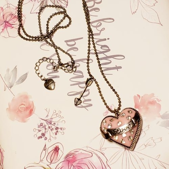 Charm Enamel Betsy Johnson Pendant Jewelry Rhinestone flower banquet necklace